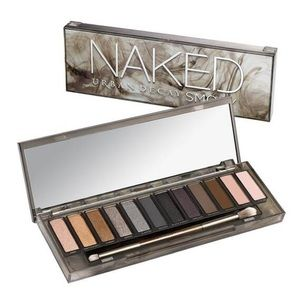 SWATCHED Urban Decay Naked Smokey Palette